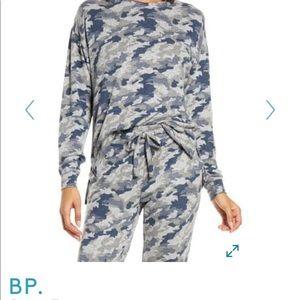 BP. NWT Cozy top women's size small camo